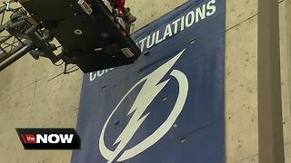 Tampa Bay Lightning win division, city celebrates - Video