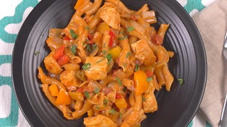 One-Pot Chicken Fajita Pasta - Video