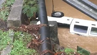 Vehicles Washed Away in Vestavia Hills Flooding - Video