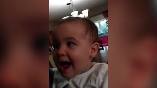 A Dad Teaches His Baby Girl To Say Banana - Video