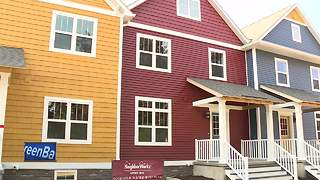 Townhomes dedicated in Green Bay - Video