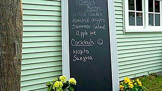 5 Easy Steps to Make Your Own Holiday Chalkboard