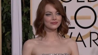 All eyes on Emma Stone for Oscars red carpet - Video
