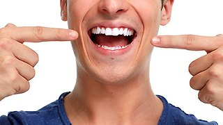 3 Alternative Ways to Whiten Your Teeth for Cheap - Video