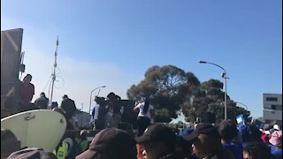 UPDATE 1: Opposition parties march against Zuma presidency in Cape Town (RuF)
