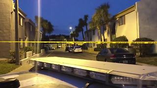 Man shot dead outside of Tampa apartment | Digital Short - Video