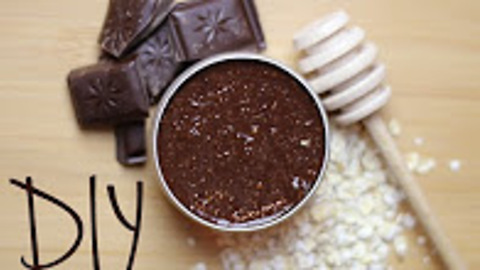 DIY cocoa face mask