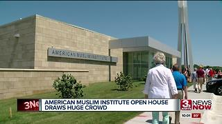 American Muslim Institute brings large crowd - Video