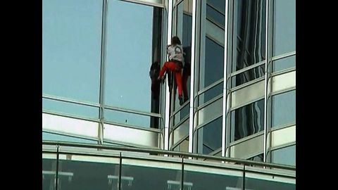 French Spiderman Climbs World's Tallest Building