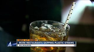 Milwaukee restaurants skipping the plastic straws - Video