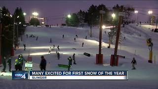 Residents getting prepared for the first snowfall - Video