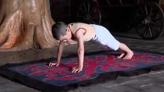 6 year old breaks push-up record in Russia
