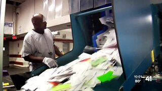 USPS removes 4 mail-processing machines in Kansas City