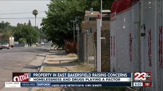 Property in East Bakersfield raises concerns for families living in the neighborhood - Video