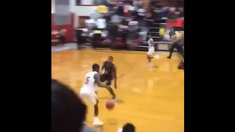 HS Player Throws Down Insane Dunk That Would Be Impressive for an NBA Star