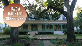 Creepy travel: Reserve a room at a haunted plantation - Video