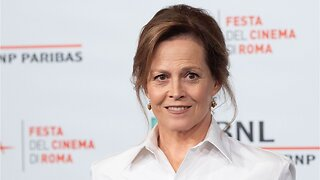 Sigourney Weaver confirms roll in new 'Ghostbusters'