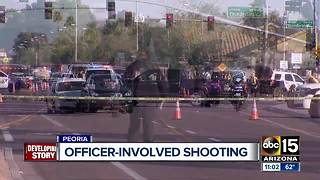 Peoria officers OK after shooting - Video