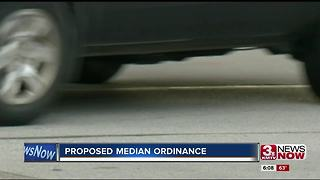 Omaha considers ordinance to stop people from using medians - Video