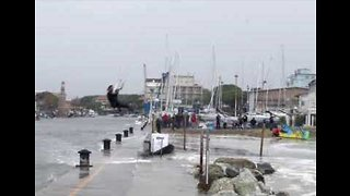Man Kite-surfs During Storm in Northern Italy - Video