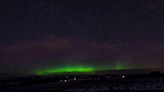 Timelapse Shows Northern Lights Shining Over Stirling - Video