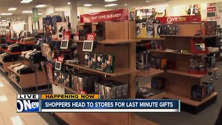 Shoppers hit stores for last-minute gifts