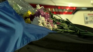 Tribute to fallen MPD officer grows outside Police Administration Building - Video