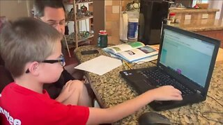How do school districts count attendance during virtual learning?