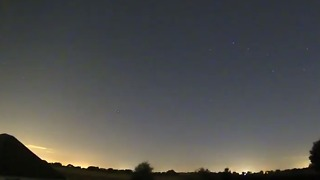Timelapse of Perseid Meteor Shower Captured Over UK Night Sky - Video
