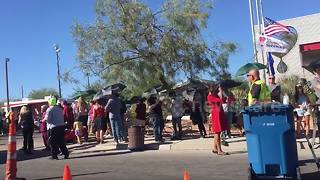 Hundreds queue at Las Vegas blood bank after deadly shooting - Video