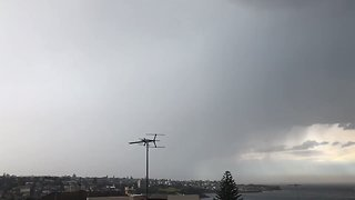 Thousands of Lightning Strikes Hit Sydney - Video