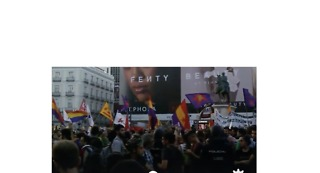 Madrid Protesters Chant 'You Are Not Alone, Catalonia' - Video