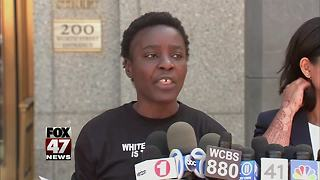Woman who climbed Statue of Liberty charged - Video