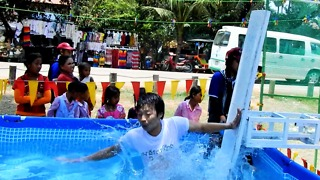 Who Can Make These Men Fall Into Water Khmer Game New Year Siem Reap - Video