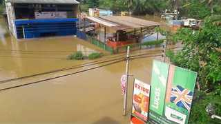 Sri Lankan Streets Under Water Following Worst Rains in Over a Decade - Video