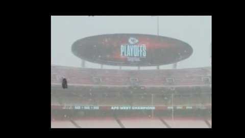 Fans Flock to Kansas City Chiefs Game Amid Snowstorm