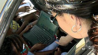 Thousands of Pinellas students pick up laptops, tablets for online learning