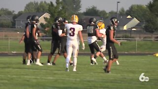 Kuna Kavemen football players and their parents share what it's like to have games during the pandemic