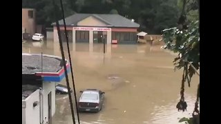 Flash Floods Swamp Cars in Banksville, Pittsburgh