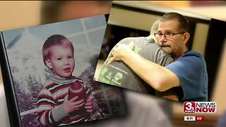 Donor recipient family pays it forward - Video