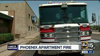 Fire breaks out at central Phoenix apartment complex - Video