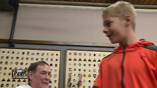 Oshkosh students make a special holiday delivery to the King veterans home - Video