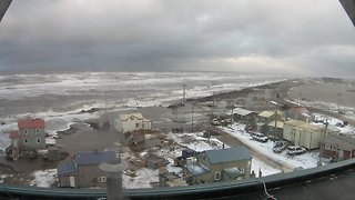 Storm Surge Brings Coastal Flooding to Utqiagvik - Video