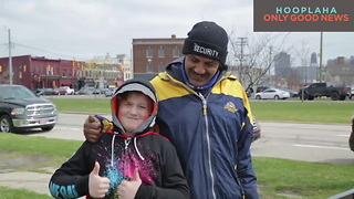 Who Helps The Homeless? It's A 9-Year-Old Superhero! - Super Ewan - Video