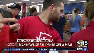 Teacher walkouts: Arizona communities work together to keep kids fed - Video