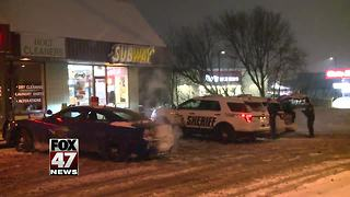 Police looking for suspect in Subway robbery - Video