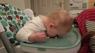 Baby girl really loves her cereal - Video