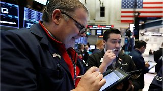 Wall Street Extends Its Losses