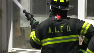 Fire breaks out at Westlake apartment complex