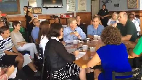 Senator Nelson hosts roundtable with residents, Environmentalists and Health Care Leaders in Fort Myers